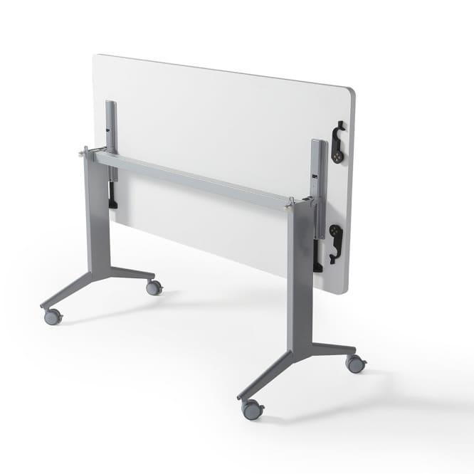 mesas polivalentes con el pie abatible en syncro21